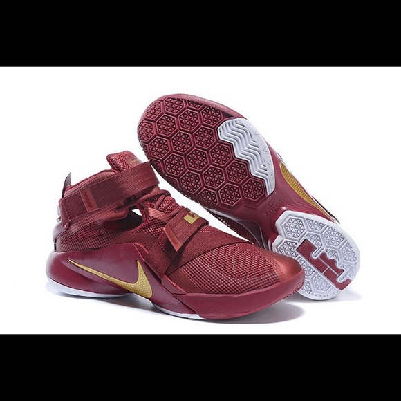 5ed7f3da7f5d ... discount nike lebron soldier 9 basketball shoes size 8.5 29081 b1504